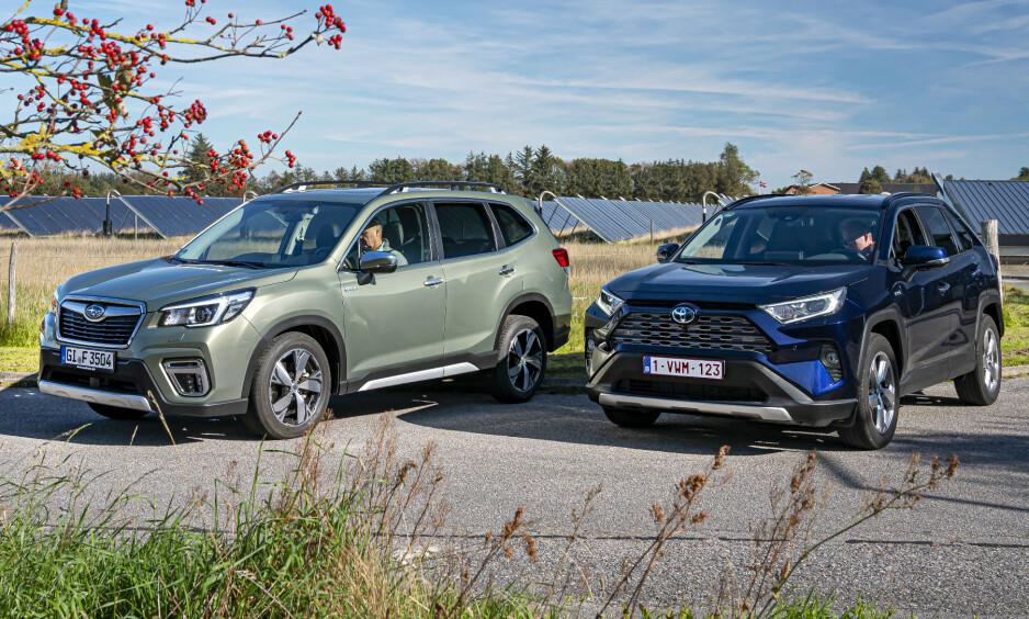 HYBRIDER: SUV-ene Subaru Forester e-Boxer og Toyota RAV4 AWFD er begge hybrider, men ikke ladbare. Foto: Jamieson Pothecary