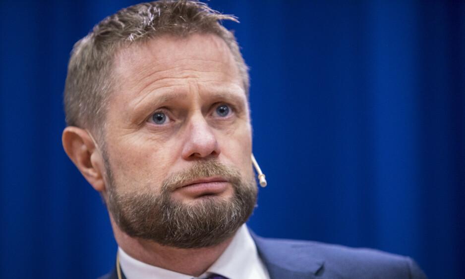 TAR OPPGJØR MOT HETS: - Den harde tonen har blitt stadig hardere, skriver helseminister Bent Høie (H). Foto: Ole Berg-Rusten / NTB Scanpix