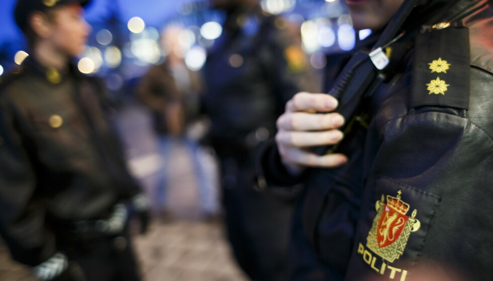TRAVELT: For politiet er lørdagsnatta travel hver eneste uke. Fyllebråk, vold og ran er gjengangere. Foto: Heiko Junge / NTB scanpix