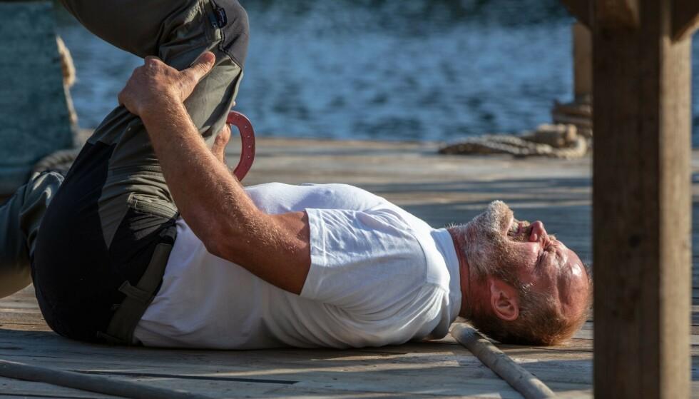 SMERTER: Terje Leer gikk rett i bakken da han skadet kneet. Foto: Alex Iversen / TV 2