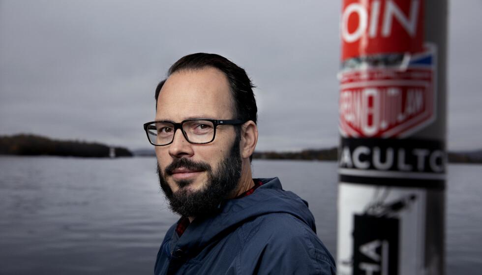 TOK GREP: Kristian Hall er i dag 42 år, gift og pappa. Ved siden av forfatterskapet jobber han som næringslivskonsulent. Mange år har gått siden han sluttet å kalle seg deprimert. Foto: Kristin Svorte
