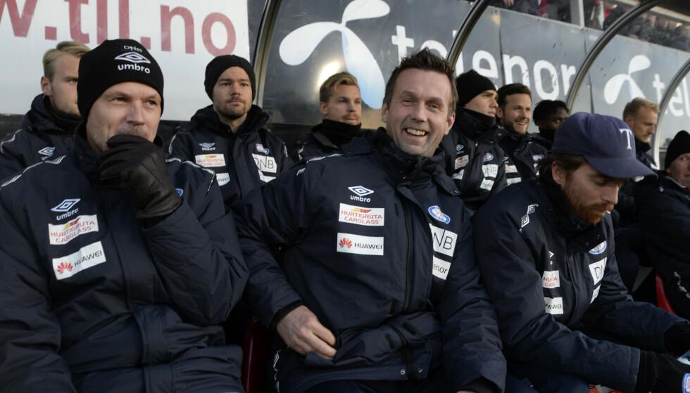 DEN GANG DA: Kjetil Rekdal og Ronny Deila sammen på Vålerenga-benken. Deila kom inn høsten 2016 for å redde klubben, mens Rekdal gikk over i en slags sportssjefstilling. Det varte ikke lenge. Foto: NTB/Scanpix