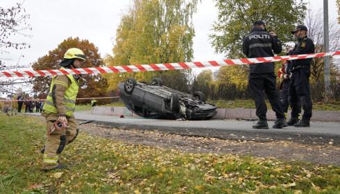 Oslo 20191022.  Ambulance stolen i Oslo center. This car was probably hit by the ambulance.  Photo: Haakon Mosvold Larsen / NTB scanpix