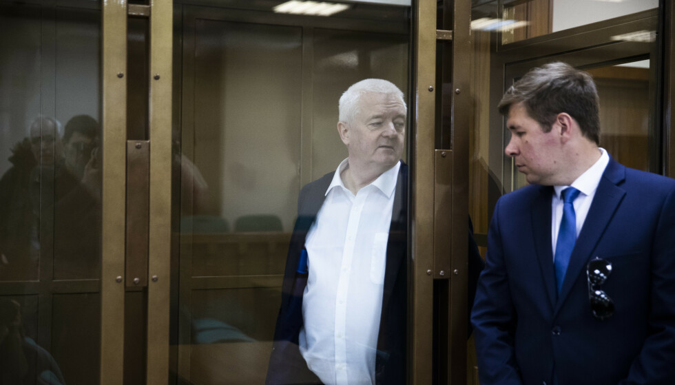 MOSKVA: Frode Berg og hans forsvarer Ilja Novikov ved byretten i Moskva. Bildet er tatt i april 2019. Foto: Berit Roald / NTB scanpix