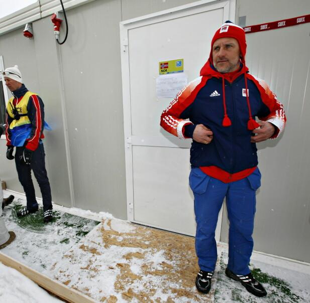 I TORINO-OL 2006: Terje Langli, daværende smøresjef, foran den norske smørebua i Italia. Foto: Arnt E. Folvik/Dagbladet