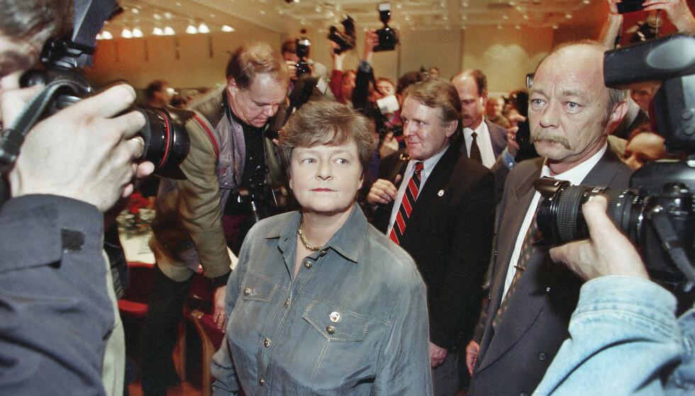 NEDERLAG: Statsminister Gro Harlem Brundtland (Ap) gikk på sitt kanskje største politiske nederlag da 52,2 prosent av velgerne sa nei til EU, mandag 28. november 1994. Foto: Bjørn Langsem