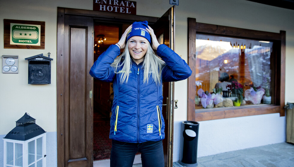 FÅR KJEFT: Frida Karlsson får beskjed om å skjerpe seg. Selv tar hun ikke kritikken veldig tungt. Foto: NTB Scanpix