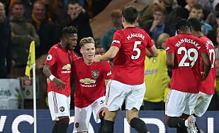 0-1: United-spillerne jubler etter kampens første scoring. Foto: Chris Radburn/REUTERS/NTB Scanpix
