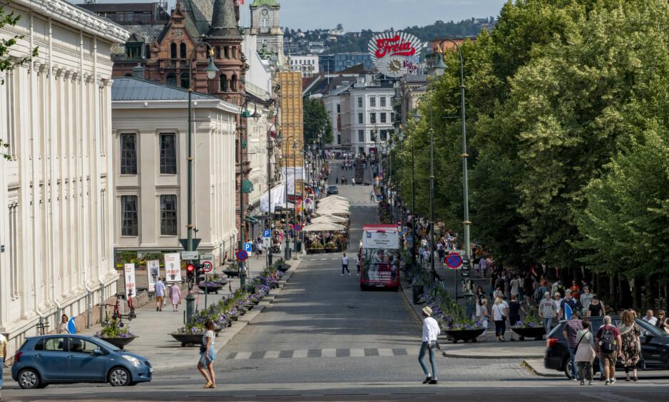PÅGREPET: Mannen skal ha blitt pågrepet nederst på Karl Johan. Dette er et illustrasjonsfoto av Karl Johans gate. Foto: Geir Olsen / NTB scanpix