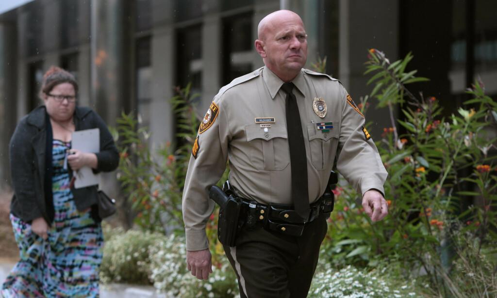 FÅR SVIMLENDE ERSTATNING: Politibetjent Keith Wildhaber (47) får medhold i søksmålet mot sin egen politistasjon i St. Louis, etter å ha blitt diskriminert legningen sin. Nå får han hele 192 millioner kroner i erstatning. Foto: Christina M. Fletes / NTB Scanpix