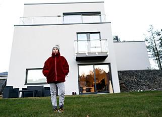 EGEN LEILIGHET: Malin Solberg Lyngen bor ikke lenger i kommunal leilighet, men ønsker å prate om fattigdom i barndommen, for å unngå skam. Foto: John T. Pedersen / Dagbladet