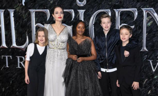 STØTTE: Angelina Jolie sier at barna har vært en trøst de siste åra. Nylig hadde hun med seg Vivienne Marcheline, Zahara Marley, Shiloh Nouvel og Knox Jolie-Pitt på «Maleficent: Mistress of Evil»-premieren i London. Foto: NTB scanpix
