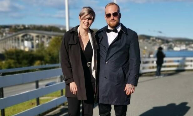 ENGASJERT: Ekteparet Frøydis og Håkon Haug Enga står bak ei Facebook-gruppe som krever at myndighetene tar ansvar for å stoppe utenlandske vogntog som ikke er i stand til å kjøre på norske vinterveier. Foto: Privat