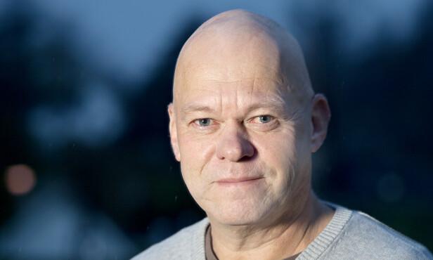 VISER TIL STATISTIKK: Seniorrådgiver Bård Morten Johansen i Trygg Trafikk. Foto: Trygg Trafikk