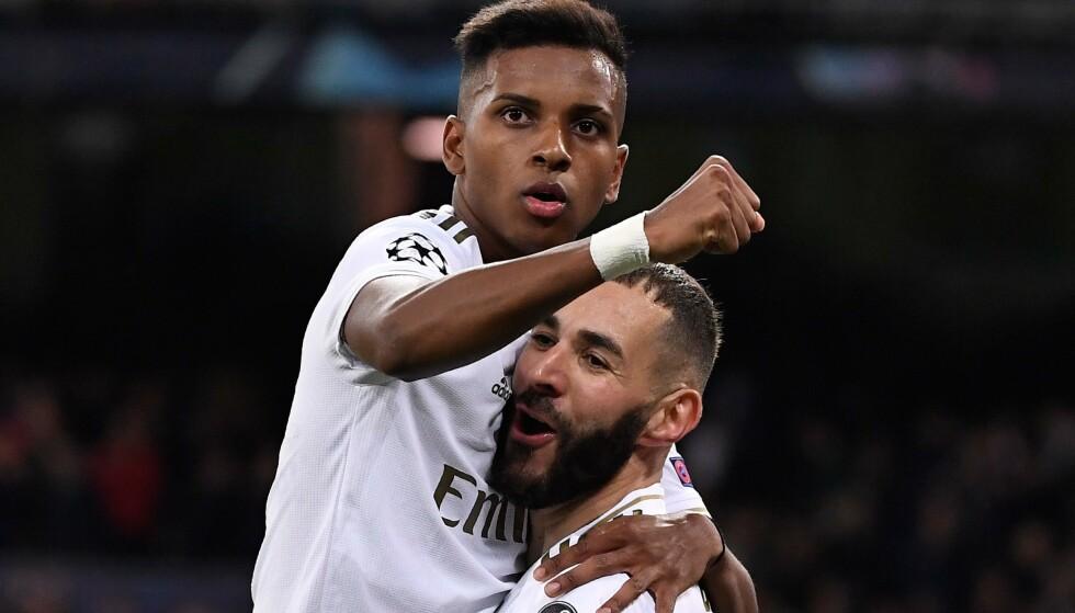 SCORINGER OG MÅLGIVENDE: Rodrygo satte selv to i førsteomgang, før han assisterte Karim Benzema til den fjerde Real Madrid-scoringa. Foto: NTB/Scanpix