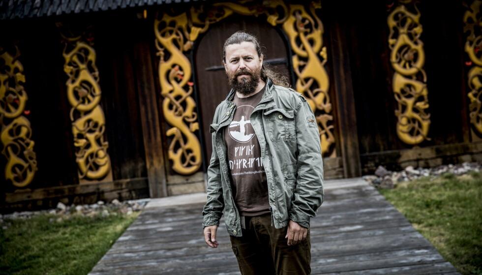 VIKINGSERIE: Bjørn Andreas Bull-Hansen har kommet til tredje bind i romanserien om vikingen Torstein Knarresmed. Foto: Christian Roth Christensen