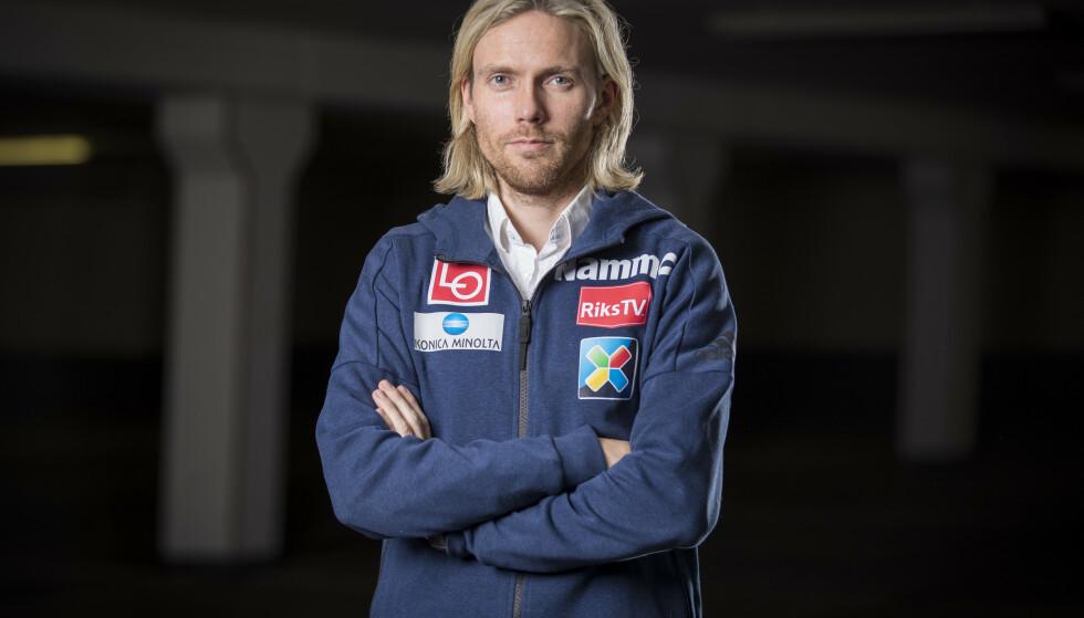 MARKANT PROFIL: Bjørn Einar Romøren har vært en svært populær profil i hoppmiljøet i mange år. I dag er han markedssjef for hopperne. Dette bildet er fra 2017. Foto: Heiko Junge / NTB scanpix
