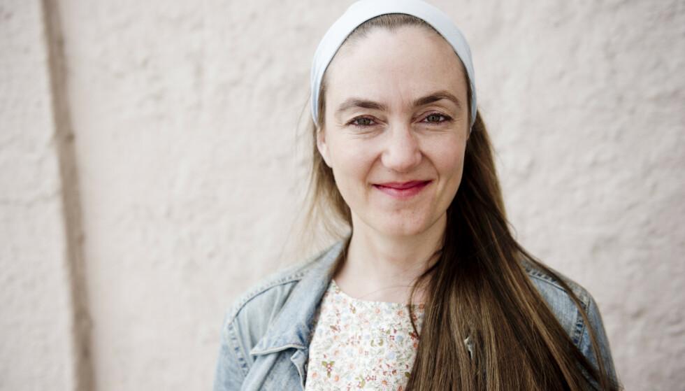 STERK ROMAN: Tiril Broch Aakre mistet moren i selvmord. Nå har hun skrevet roman om temaet. Foto: NTB SCANPIX
