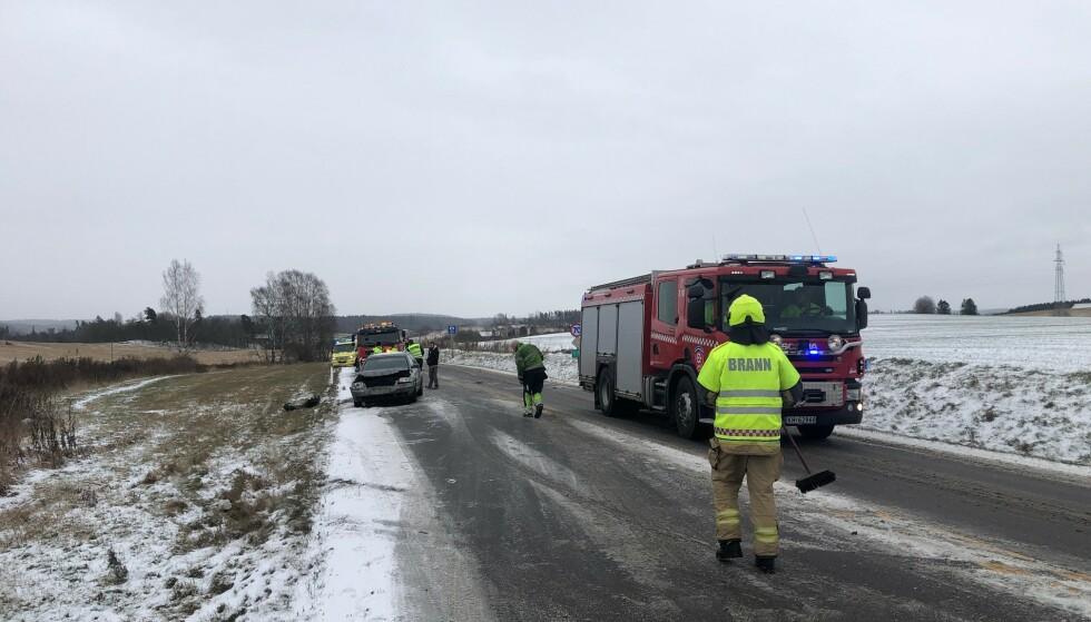 STENGT: Veien var i en periode stengt etter ulykken. Foto: Nyhetstips.no