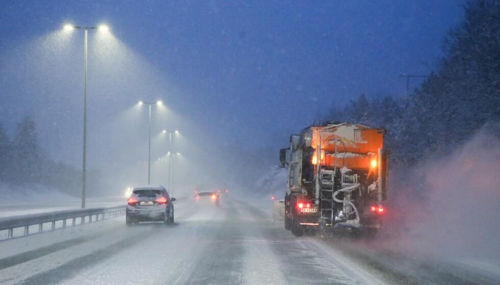NEDSNØDD: Vegtrafikksentralen på Østlandet melder om at det er nedsnødd enkelte steder. Foto: Nyhetstips.no