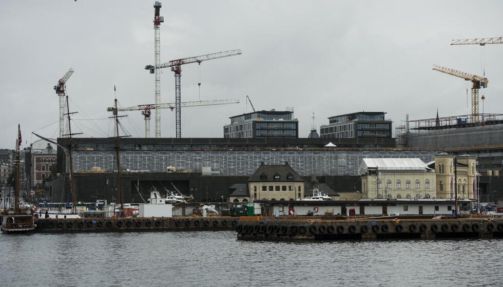 LØNN: Statsbygg undersøker nå om arbeidere som jobber med å bygge det nye Nasjonalmuseet i Oslo, har fått utbetalt for lav lønn. Foto: Carina Johansen / NTB scanpix