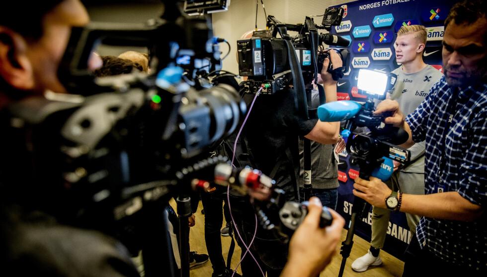 SKAPTE STYR: Erling Braut Haaland var den mest omsvermede spilleren på tirsdagens pressetreff med fotballandslaget. Foto: Bjørn Langsem