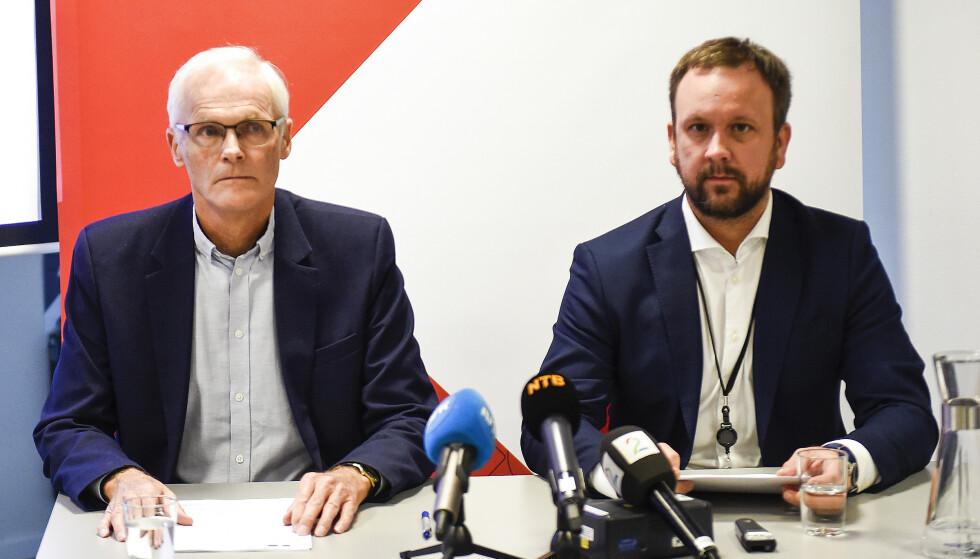 OPPSIKTSVEKKENDE FUNN: Direktør Lars Sørgard og Sigurd Birkeland, leder for prosjekt dagligvare, på pressekonferanse hos Konkurransetilsynet. Foto: Marit Hommedal / NTB scanpix