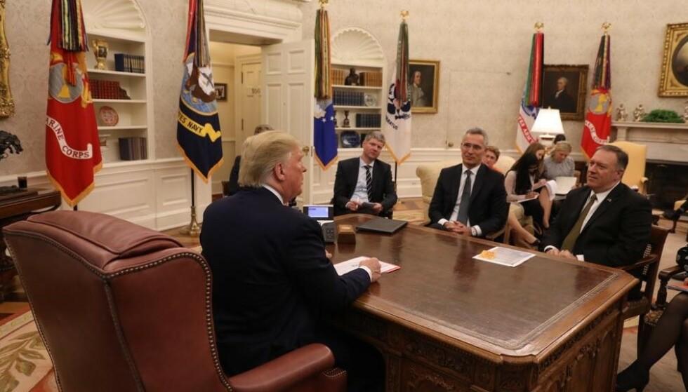 MØTTES: Natos generalsekretær, Jens Stoltenberg møtte USAs president, Donald Trump, og utenriksminister Mike Pompeo i Det hvite hus. Foto: NATO