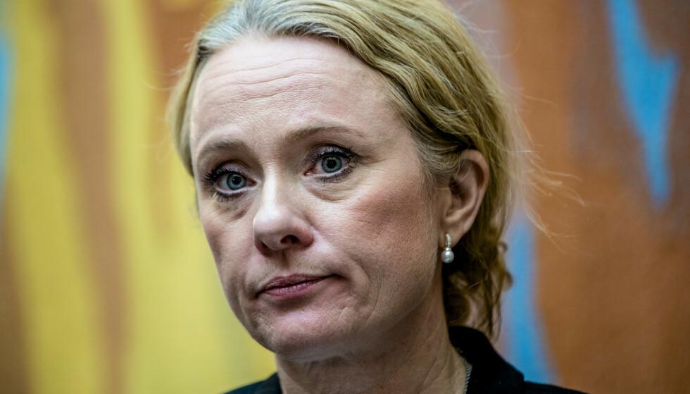 SVARTE: Tirsdag sendte arbeids- og sosialminister Anniken Hauglie sine svar på spørsmålene Stortingets kontroll- og konstitusjonskomité krevde svar på. Foto: NTB Scanpix