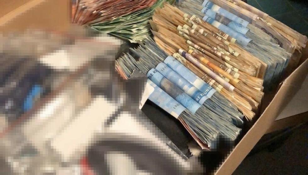 STORE BESLAG: Politiet har gjort beslag i flere hundre tusen kroner i kontanter. Foto: Politiet