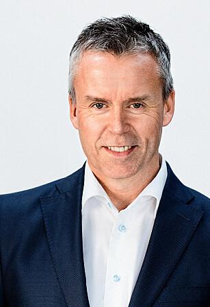 STOLT: Stein Rømmerud, adm. dir i Coca-Cola, forteller at Telemark og Smartwater er først ute i Norge. Foto: Coca-Cola