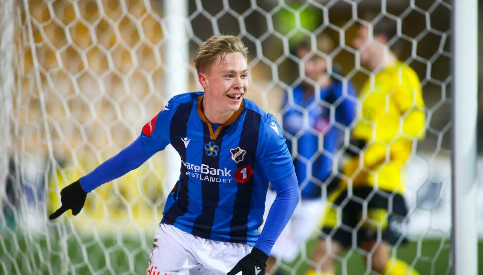 DEN PERFEKTE RBK-KANTEN: Ola Brynhildsen (20) er Eliteseriens beste høyrekant, en spiller snytt ut av Eirik Hornelands tanker om Rosenborgs framtid. Han sluntrer aldri unna, jobber knallhardt begge veier og scorer flittig mål. Rosenborg er desperate etter Stabæk-spilleren, som kan snakke med hvem han vil fra 1. januar. Spørsmålet er om han velger en tysk eller nederlandsk klubb foran Rosenborg. Foto: Christoffer Andersen / NTB scanpix