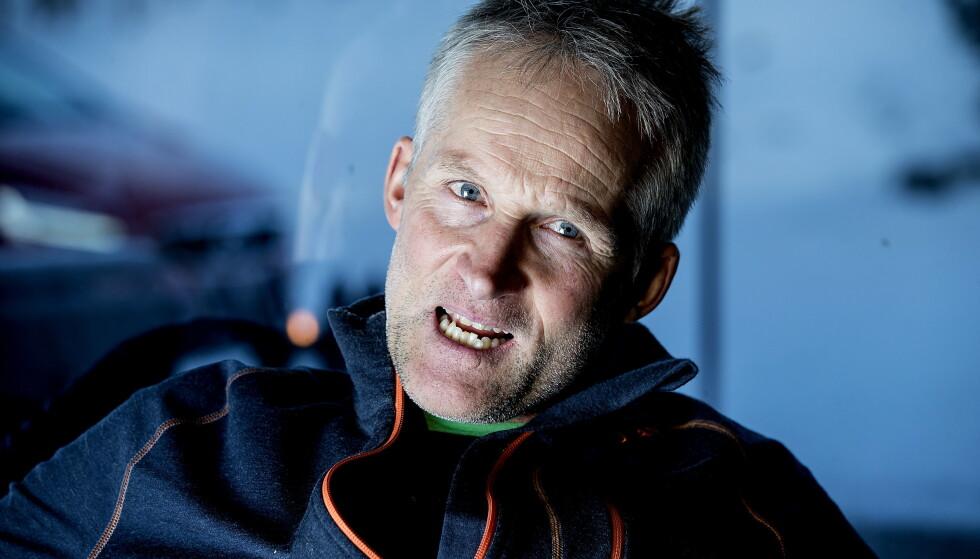 FORNØYD: Vegard Ulvang, leder for langrennskomiteen i FIS, er strålende fornøyd med innføringen av totalforbud mot fluor. Foto: Bjørn Langsem