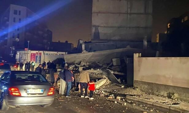 SKADD: Minst 50 personer er sendt til sykehus med skader, ifølge helseministeren. Foto: NTB Scanpix