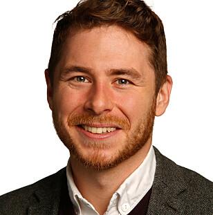 OVERRASKET: Kyle Devine, førsteamanuensis ved UiO, har forsket på miljøkonsekvensene av overgang fra fysiske musikkprodukter til strømming. Foto: Terje Heiestad/Universitetet i Oslo