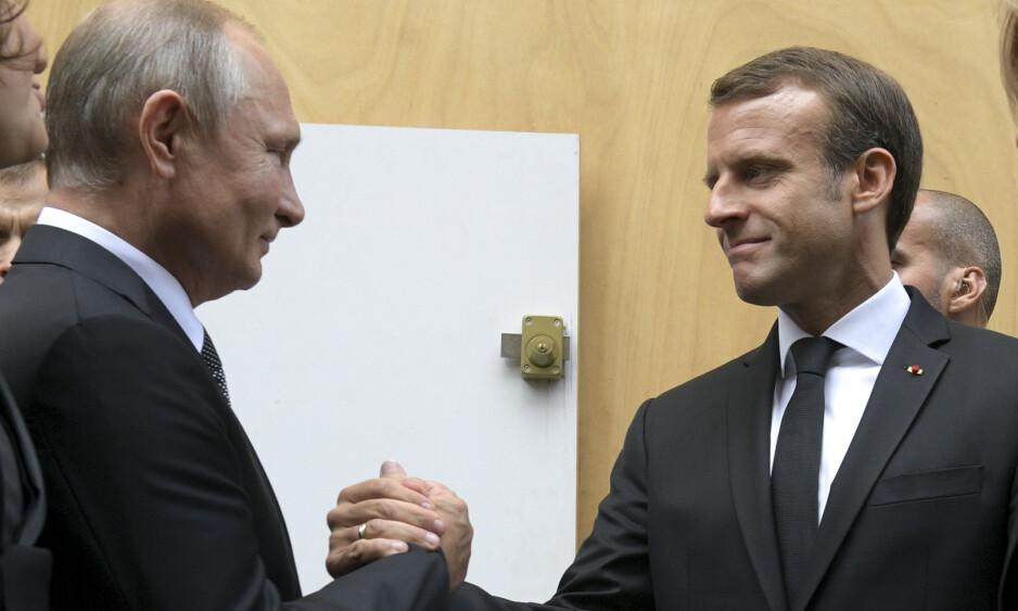 SAMHOLDET UTFORDRES: Fransk alenegang i Nato er ikke noe nytt. Derimot er det nytt at presidenten, Emmanuel Macron, gjør seg til Putins nyttige idiot, skriver innsenderen. Foto: Alexei Druzhinin, Sputnik / AP / NTB Scanpix