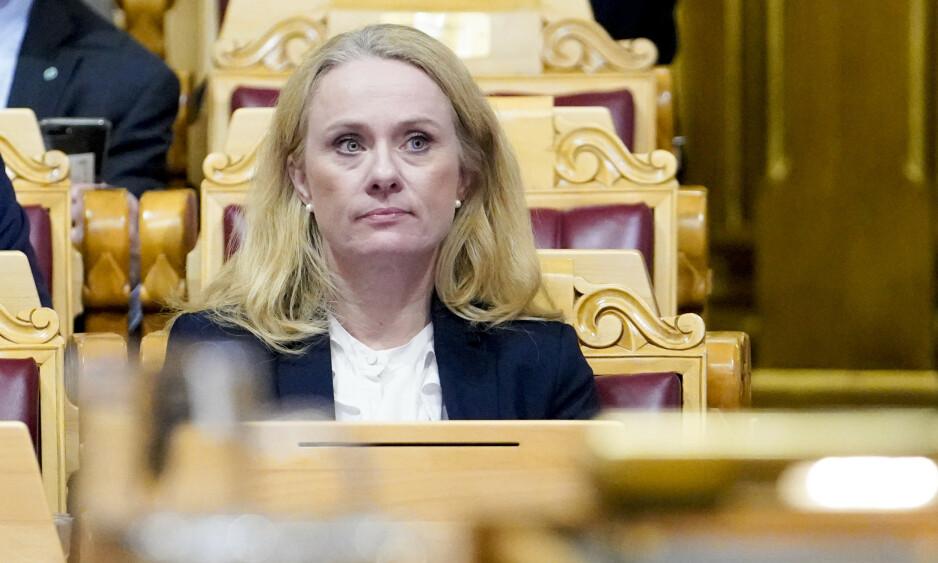 NAV-SKANDALEN: Arbeidsminister Anniken Hauglie i salen under debatten om mistillitsforslaget mot henne i Stortinget onsdag kveld. Foto: Fredrik Hagen / NTB scanpix