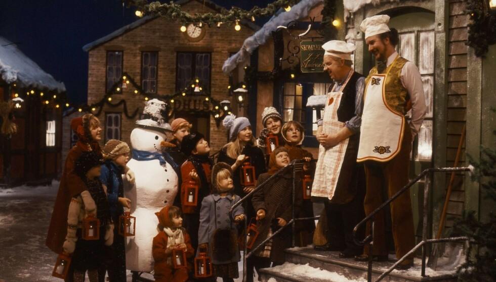 40 ÅR: Jul i Skomakergata ble sendt for første gang i 1979, og er fortsatt tilgjengelig i NRK TV. Foto: NRK