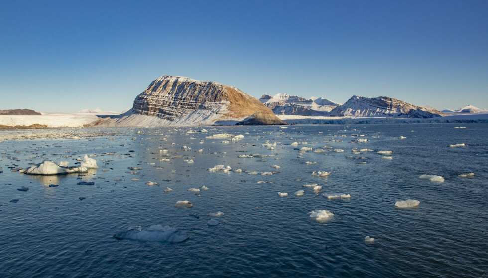 DRAMATISK VARMEENDRING: Smeltende is fra isbreer som kalver ut i Kongsfjorden ved Ny-Ålesund på Svalbard, her fra 2018. Foto: Are Føli, NTB Scanpix.