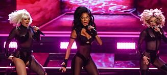 Slakter stjernas opptreden: - Strippeshow