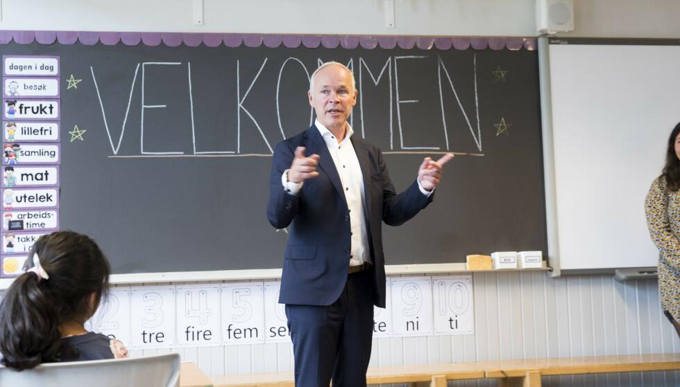BEKYMRET: Kunnskaps- og integreringsminister Jan Tore Sanner innrømmer at han gjerne skulle sett at tallene var bedre. Foto: Terje Pedersen / NTB scanpix
