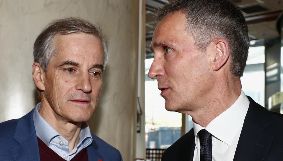 NATO OG KINA: Jonas Gahr Støre (t.v) advarer mot militære eventyr i Asia. Her sammen med NATOs generalsekretær Jens Stoltenberg. Foto: Terje Pedersen / NTB scanpix