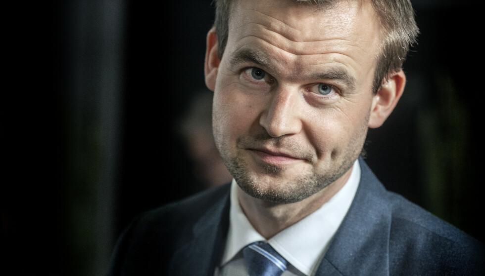 JULENS RIDDER: Barne- og familieminister Kjell Ingolf Ropstad er bekymret for at den kristne jula skal forsvinne. Foto: Hans-Arne Vedlog