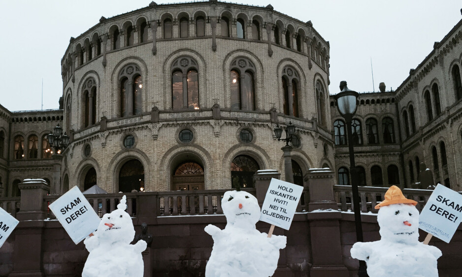 LYTT TIL FAGKUNNSKAPEN: Regjering og Storting må ta de miljøfaglige rådene på alvor og definere iskantsonen på en måte som ivaretar de umistelige naturverdiene i Barentshavet. Foto: Berit Roald / NTB scanpix