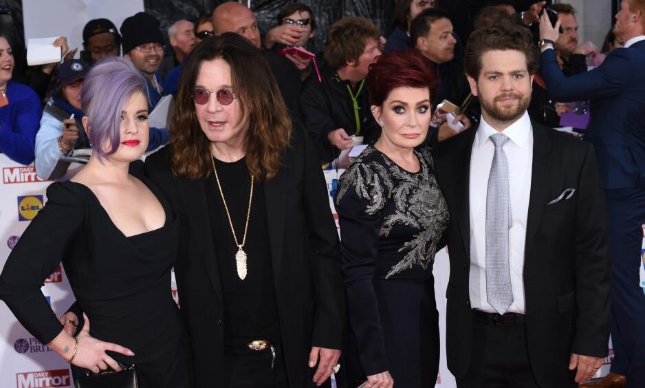 BERØMT FAMILIE: Osbourne-familien ble verdenskjent etter at de deltok i realityserien «The Osbournes». Slik har det gått med Sharon, Ozzy, Kelly og Jack. Foto: NTB Scanpix