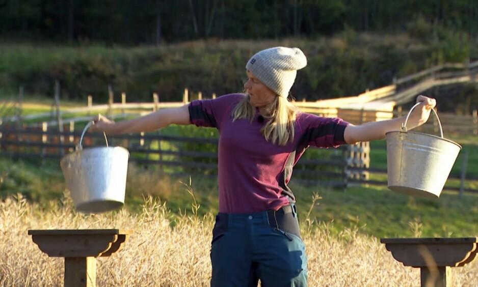 UTE AV «FARMEN»: En ryktig i armen sto potensielt mellom Agna Hollekve og en finaleplass i «Farmen». Foto: Skjermdump / TV 2