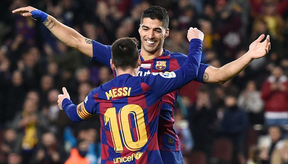 PERLEMÅL: 4-1-målet til Suárez like før pause var helt fra øverste hylle. Hjemmelaget rullet nydelig opp, og med ryggen mot mål hælsparket Suárez ballen nydelig i det lengste hjørnet. Foto: Josep LAGO / AFP / NTB Scanpix