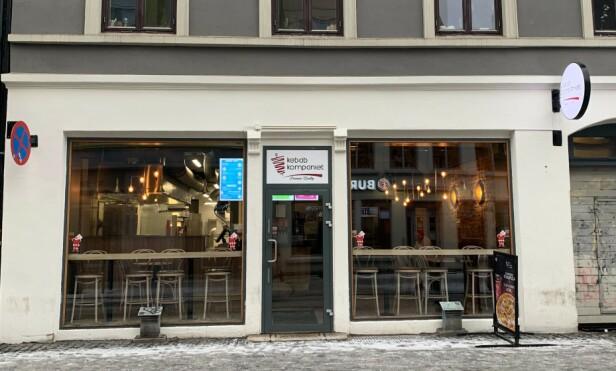 GODKJENT: Kebab kompaniet i Torggata var et av ti kontrollerte gatekjøkken som Mattilsynet ikke hadde noe å utsette på. Foto: Elisabeth Dalseg