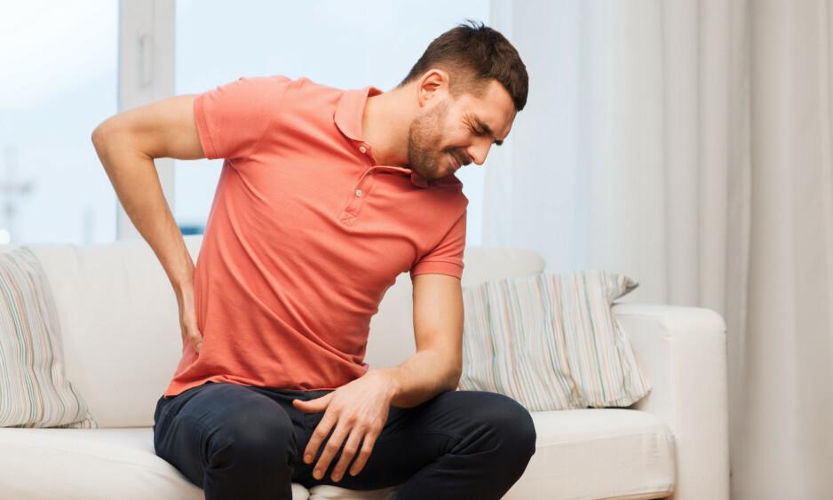 ANBEFALES: Cirka halvparten av de sykmeldte har uspesifikke smertetilstander, eller vanlige psykiske plager. Da anbefales det å være mest mulig i jobb, forutsatt at ikke arbeidsmiljøet er årsak til helseproblemet eller at behandlingstilbudet tilsier noe annet, skriver innsenderne. Foto: Shutterstock / NTB Scanpix