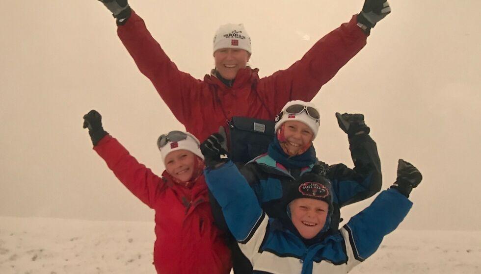 Til topps: Toril og de tre barna Camilla, Celine og Aleksander på topptur sammen. Foto: privat